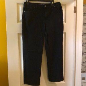 Gloria Vanderbilt black Amanda jeans 12 petite